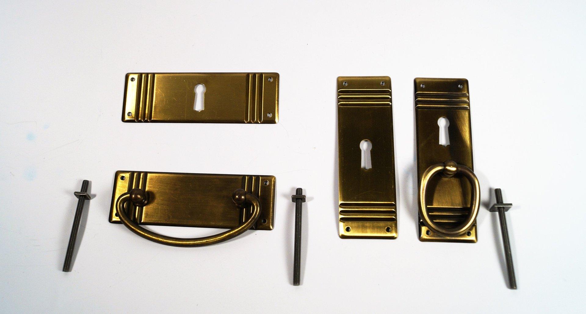m belgriffe und schl sselschilder in messing antik antikbeschl ge und restaurierungsbedarf. Black Bedroom Furniture Sets. Home Design Ideas